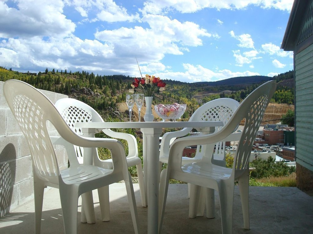 Balcony, Little Victorian Cottage IN Central City: Great View AND Location