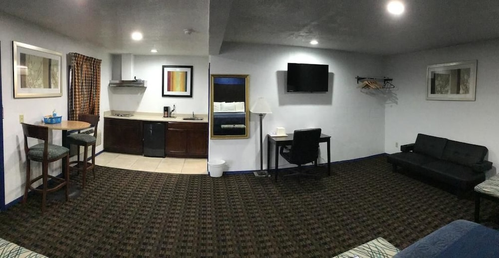 Room, Budget Inn and Suites