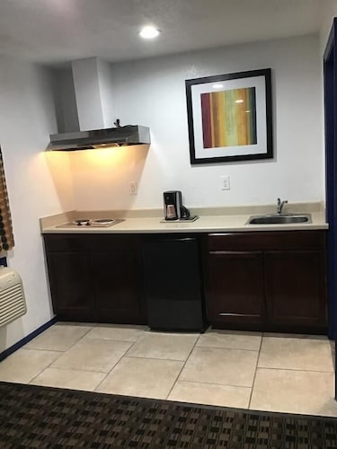 Private Kitchenette, Budget Inn and Suites