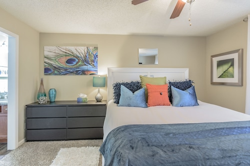 Great Place to stay Deluxe Clearwater Apartment CP-614 near Clearwater