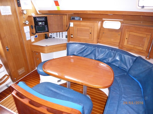 Sailtas - Sailing Charters to Bruny Island - Adults Only