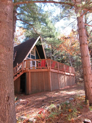 Romance, Year-round Outdoor Adventure, Whiteface Views, Hot Tub, Fireplace!