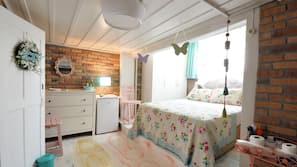 Minibar, in-room safe, iron/ironing board, free WiFi