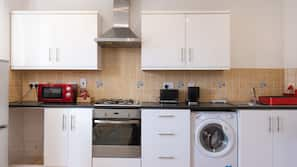 Fridge, microwave, oven, hob