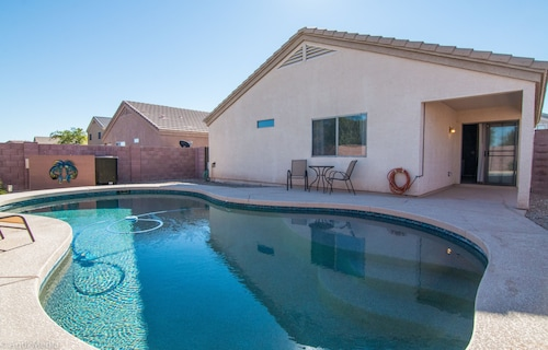 Heated Pool In Desirable Florence! 30 Night Minimum Stay! 3 Bedroom Home