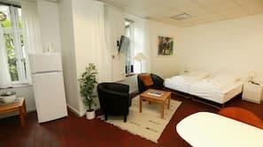 Skrivebord, strygejern/strygebræt, gratis Wi-Fi, sengetøj