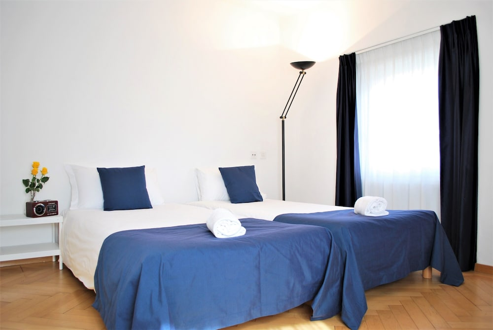 Room, Lugano Center GuestHouse