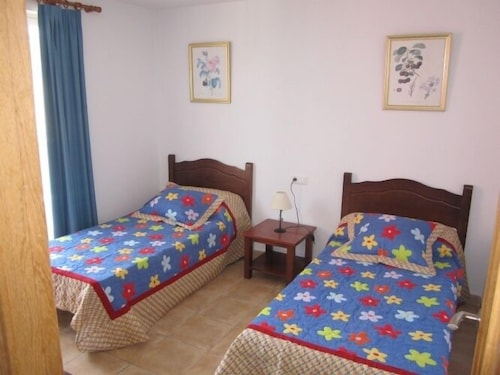 Old Town Benidorm Apartment 3 0 Out Of 5 Bathroom Shower Featured Image Guestroom