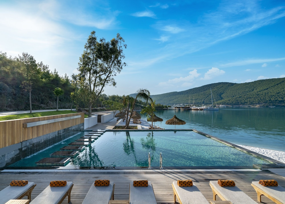Outdoor Pool, Lujo Hotel - All Inclusive