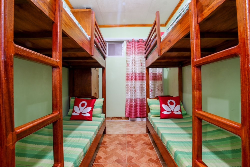 Zen rooms basic camp allen rd baguio hostel 2018 room prices hotel front featured image solutioingenieria Image collections
