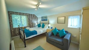 4 bedrooms, Egyptian cotton sheets, premium bedding, Select Comfort beds