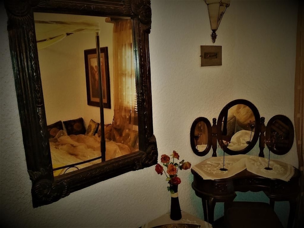 Room Amenity, Filistor