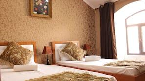 1 Schlafzimmer, Zimmersafe, Schreibtisch, schallisolierte Zimmer