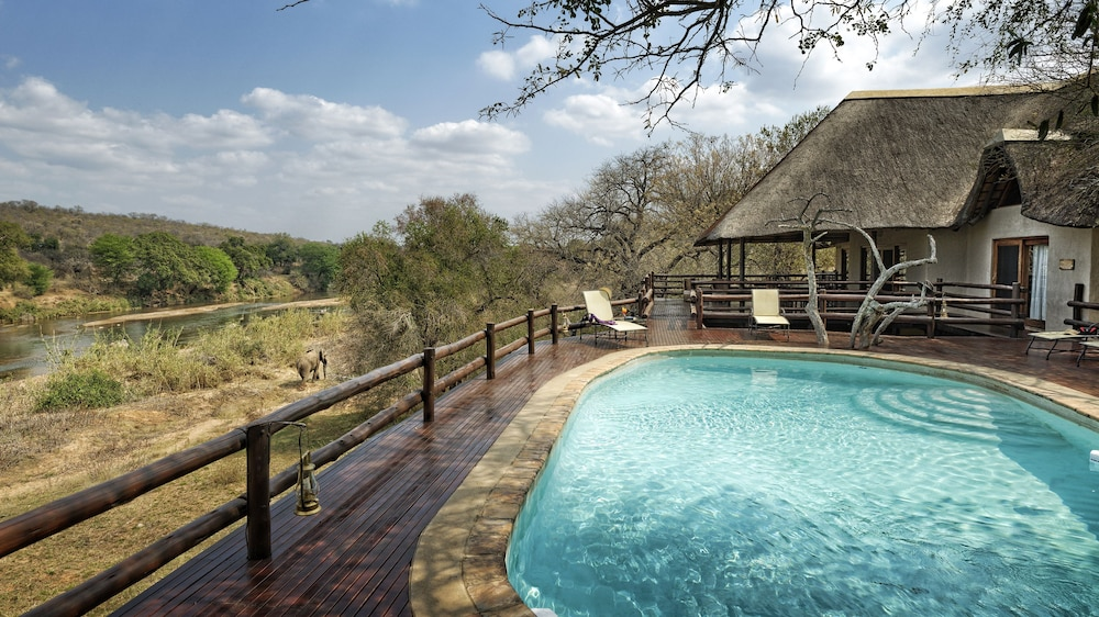 Outdoor Pool, Nyati Safari Lodge - All Inclusive