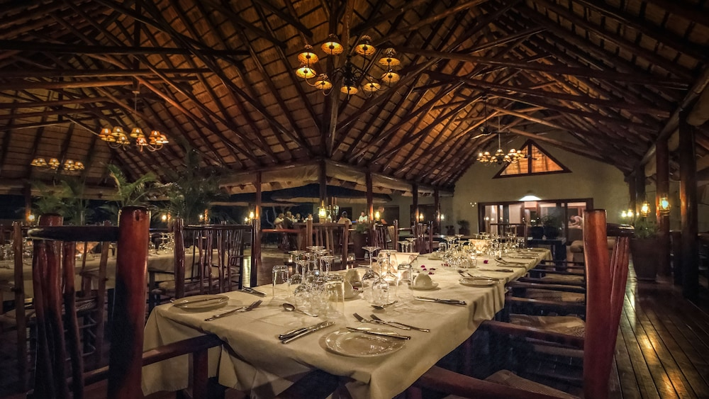 Restaurant, Nyati Safari Lodge - All Inclusive