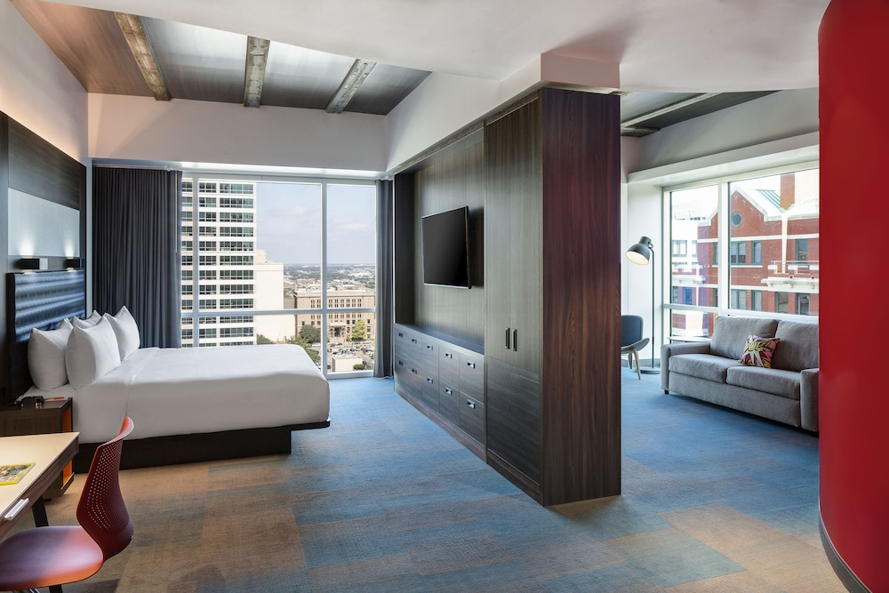 Room, Aloft Fort Worth Downtown