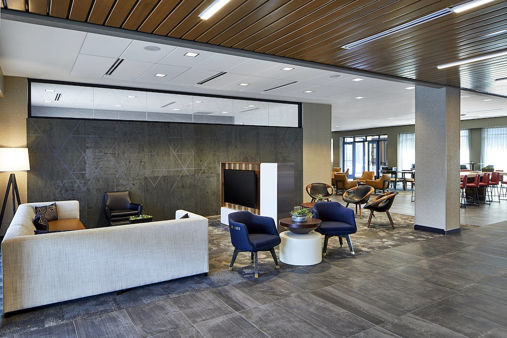 Lobby, Courtyard by Marriott Minneapolis West