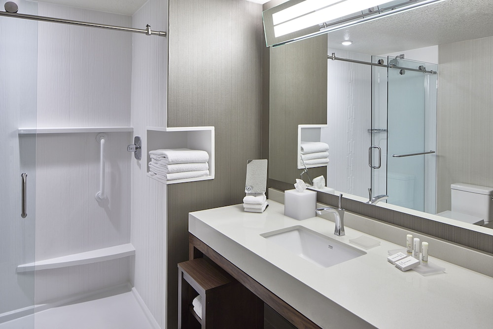 Bathroom, Courtyard by Marriott Minneapolis West