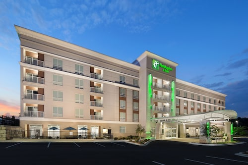 Holiday Inn Hotel and Suites Arden - Asheville Airport