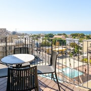 New Sea-View 2 Bed Apartment with Pool
