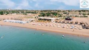 Sulla spiaggia, navetta gratuita per la spiaggia, lettini da mare