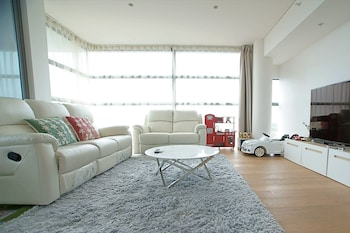 Crows Nest Family Apartment