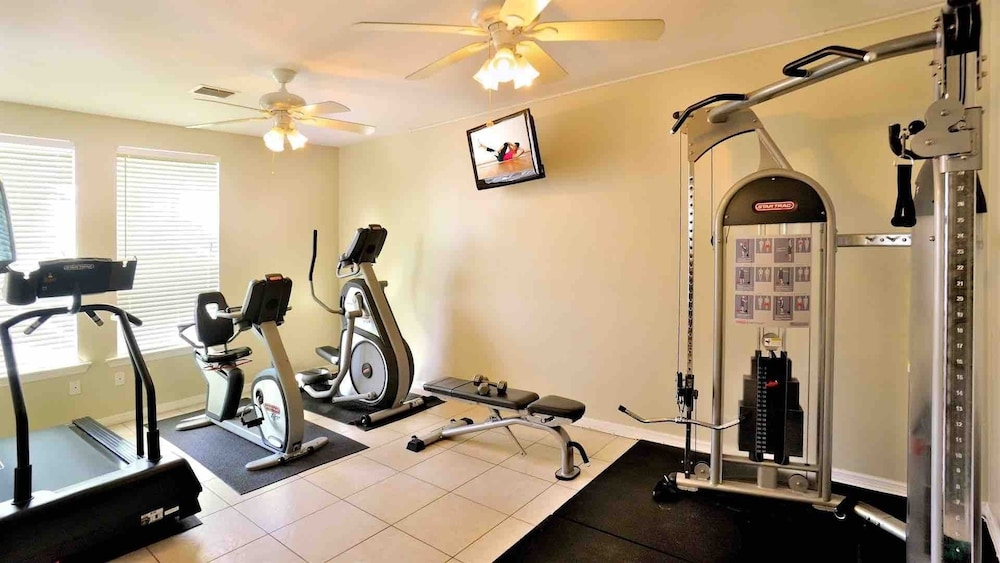 Fitness Facility, Octopus's Garden @ Coral Hammock Spacious Home & Pool + Last KEY Services..