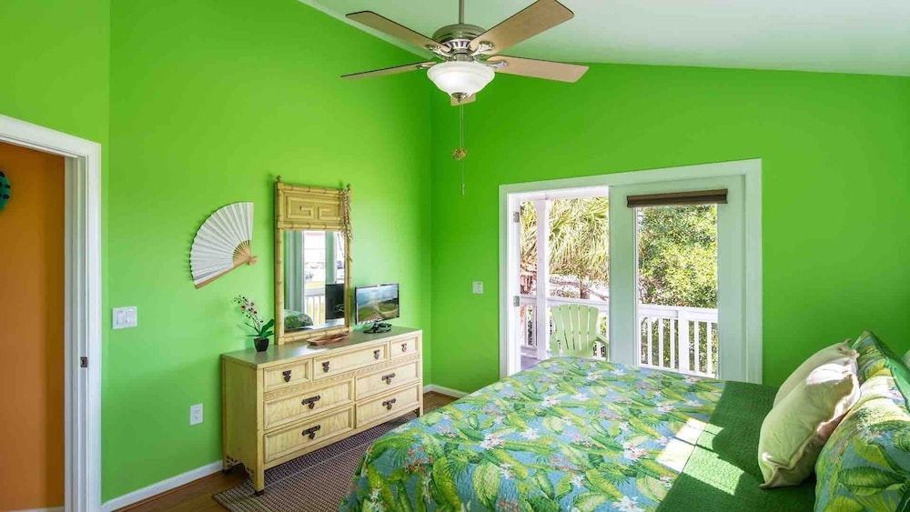 Room, Octopus's Garden @ Coral Hammock Spacious Home & Pool + Last KEY Services..