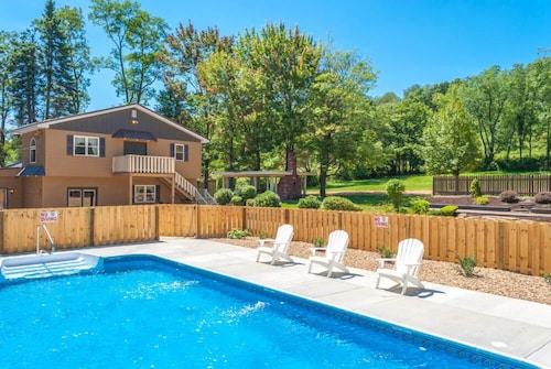 Ovr S Mountain Majesty 5 Bedrooms Pool Hot Tub 10 Minutes To Ohiopyle
