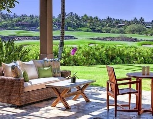 Enjoy This Newly Furnished 3 Bedroom Waiulu Villa at Hualalai Resort