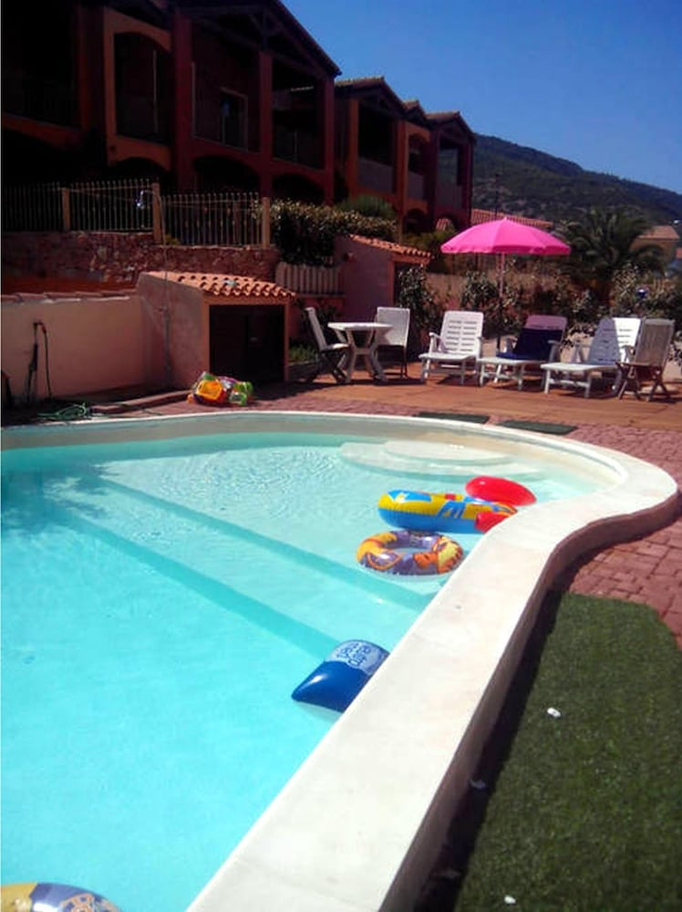 Outdoor Pool, Residenza sul Mare