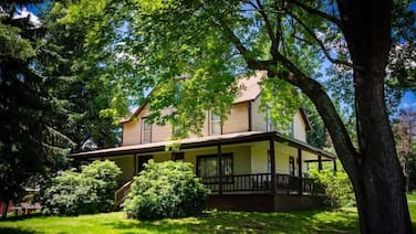 Ovr's Marietta House-1920's Farm House w/ Scenic Views of Sugarloaf Mountain!