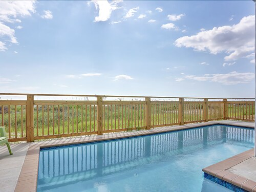 Gorgeous Gulf Front Home, Private Pool, Elevator