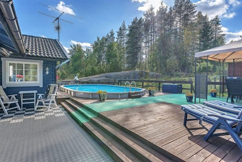 Quiet, Spacious Detached House ~ Close To Nature & Just 1 Hour From Stockholm