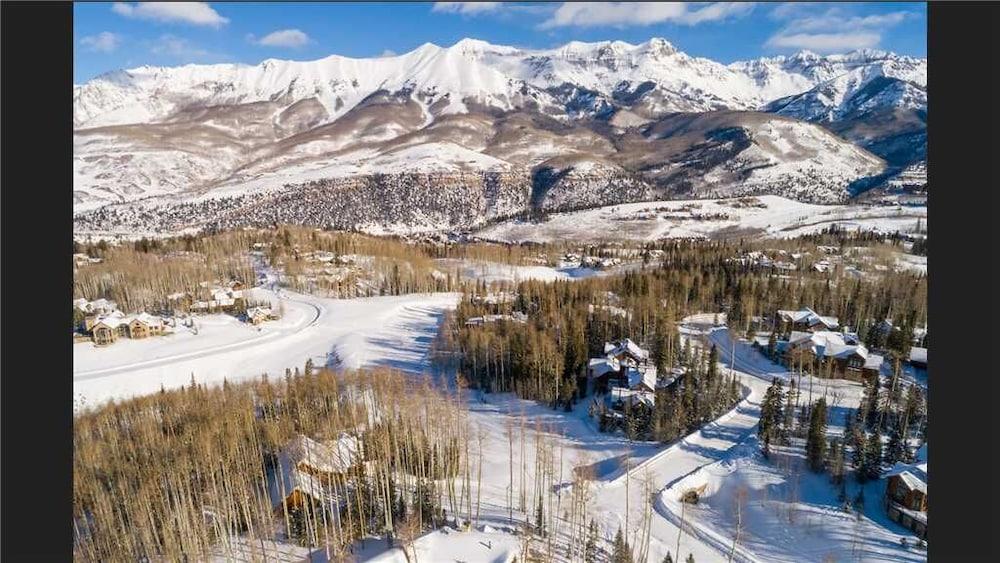 Snowdrift Cabin ski In/ski Out, Luxury 3 Bedroom + Loft Home