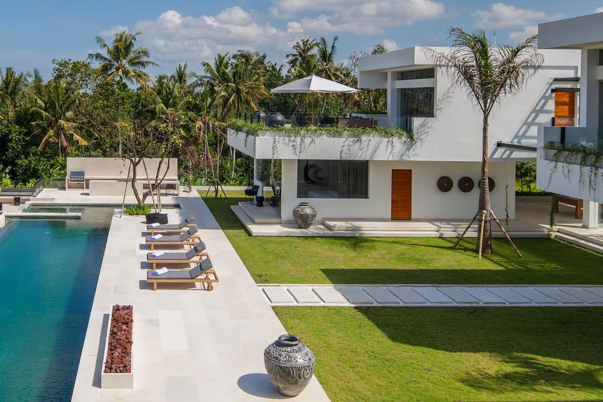 Bitcoins buy a villa in bali kuta ladbrokes sports betting uk