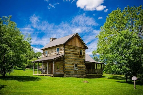 Great Place to stay Ovr's Orndorff Cabin-authentic,primitive &cozy Cabin in the Mountains OF Pa!! near Ohiopyle