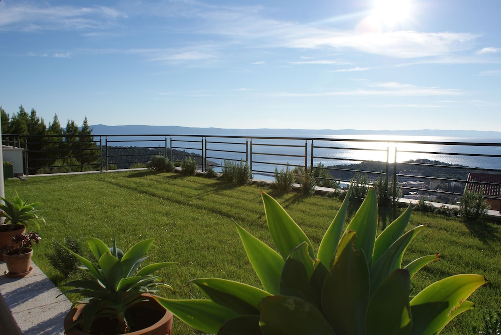 Property Grounds, Fabulous SEA & Panorama View
