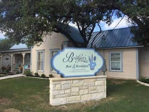 Great Place to stay Bridget's Bed & Breakfast near Marble Falls