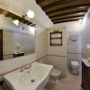 Lovely Apartment for 2 People Near Cortona, With Swimming Pool
