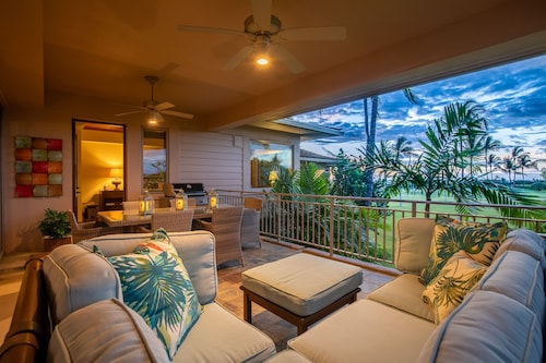 Hualalai Fairway Villa 104d ~ Updated and Contemporary, Close to Four Seasons