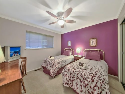 Room, Immaculate Single Story w/ Large Patio & Close to Lake