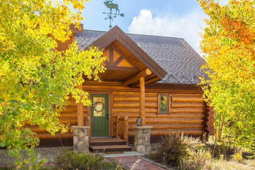 Pioneer Cabin, 3/3 With Loft - Sleeps 8