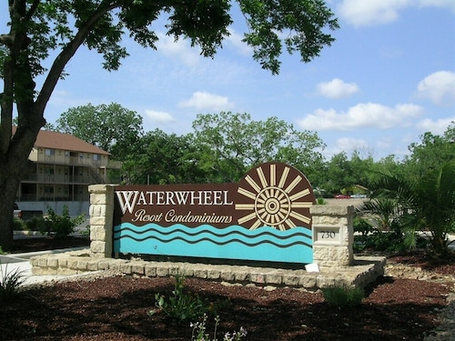 Great Place to stay Gorgeous Guadalupe River Condo near New Braunfels