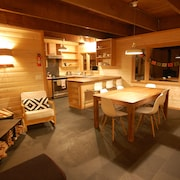 Snowy Owl -cozy Remodeled Cabin in Govy, Wood Stove , Great Ski Cabin !!