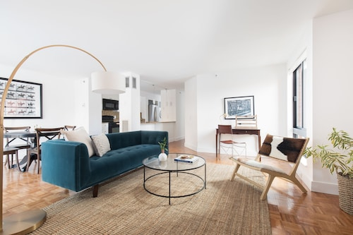 Colorful 2BR in Back Bay by Sonder