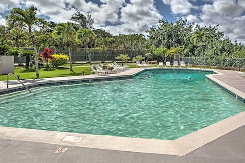New! Pristine 2BR Lihue Condo - Walk to Beach!