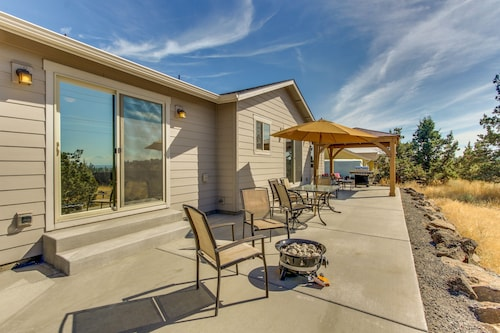 Check Expedia for Availability of Upscale Family Home w/ Fireplace, Patio, Gourmet Kitchen, and Mountain Views