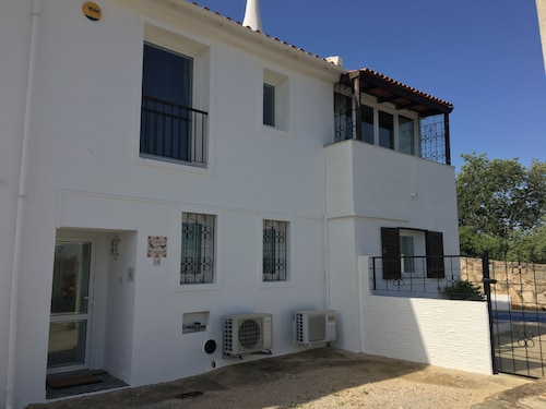 Large 2 Bed Villa Private Pool Free Wifi Dining Terrace BBQ Near Shops