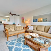 Walk to Everything! Family Friendly Beach Condo in Best South Kihei Location!